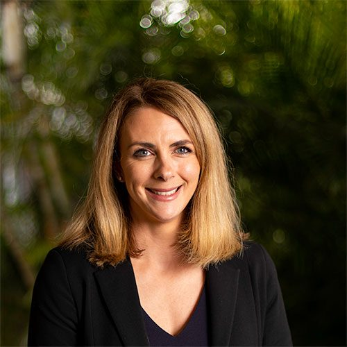 Deanne-Greig-Senior-Lawyer